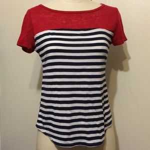 🔥6/$20 Striped Red white and blue shirt